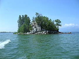 Остров Коврижка в Чивыркуйском заливе.