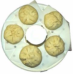 Баоцзы, китайские паровые пирожки.