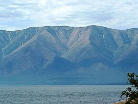 Вид на полуостров Святой нос с Баргузинского залива.