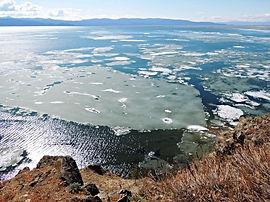 Вид со смотровой площадки Монахово на Чивыркуйский залив.