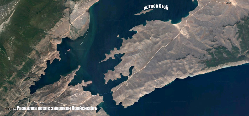 Фото со спутника. Мысы Уюга и Хадарта, залив Хагдан-Далай и острова.