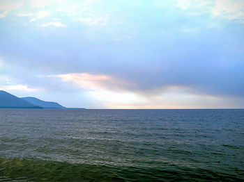 Максимиха прекрасное место для пляжного отдыха: песчанный пляж, чистая вода, рыбалка.