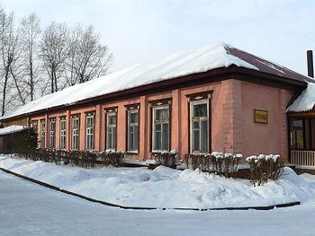 Самое старое здание города Усолье-Сибирское. Построено в 1812 году и дошло до наших дней в неизменном виде.