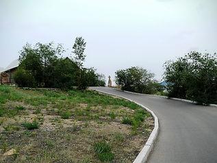 Дорога к памятному кресту в Улан-Удэ.
