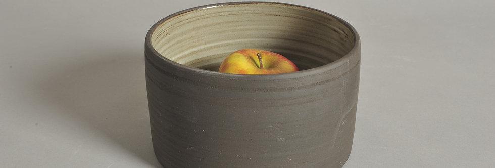 15 cm Schale aus braunschwarzem Ton, Höhe 8,5 cm - Unikat