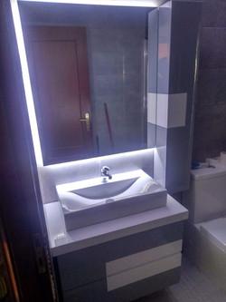 Móvel de casa de banho lacado c/led