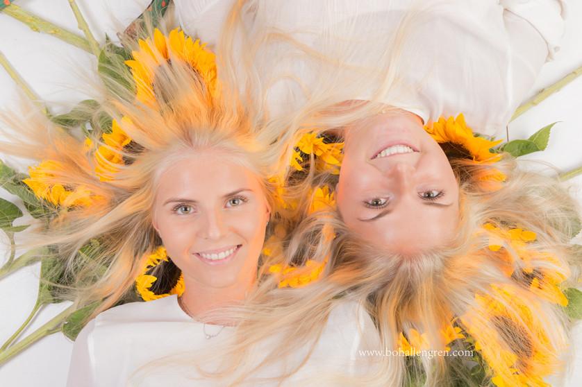The sunflowergirls in studio