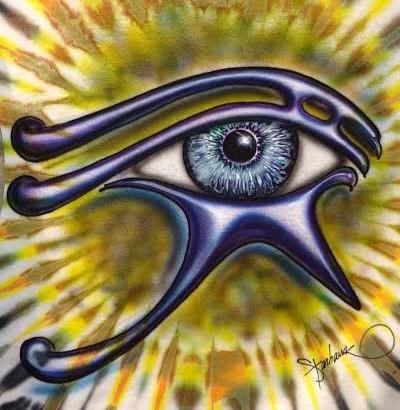 eye golden_edited.jpg