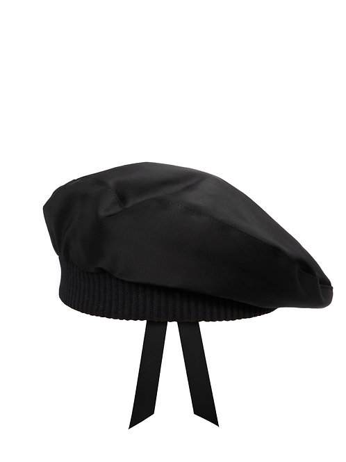 Black satin beret with quilted lining