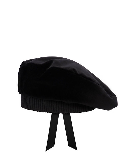 Black velvet beret with quilted lining