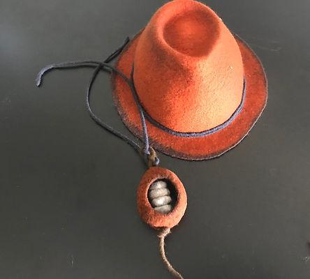 hat orange.jpg