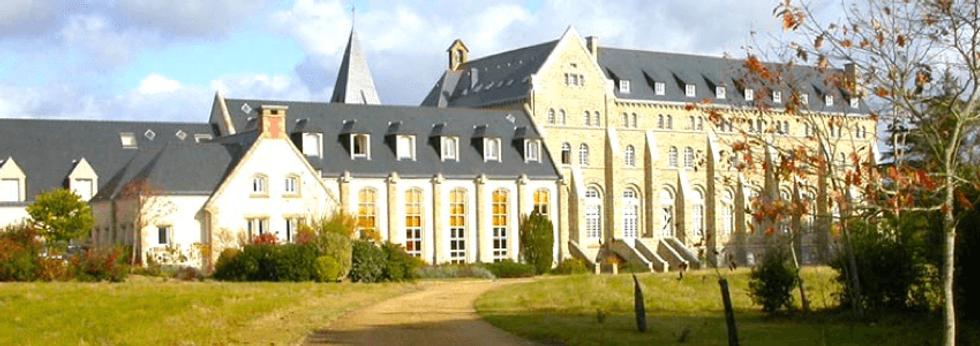 Abbaye-Sainte-Anne-de-Kergonan-Divine-Box.png