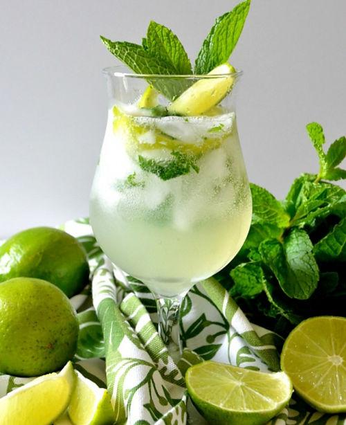 Corr-Rum-ba Mojito Cocktail