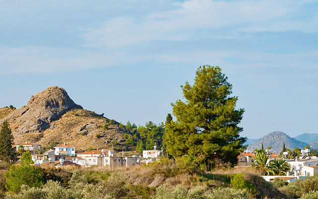 Достопримечательности Кипр Деревня Корнос