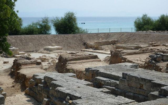 Греция Халкидики Руины храма Зевса-Аммона