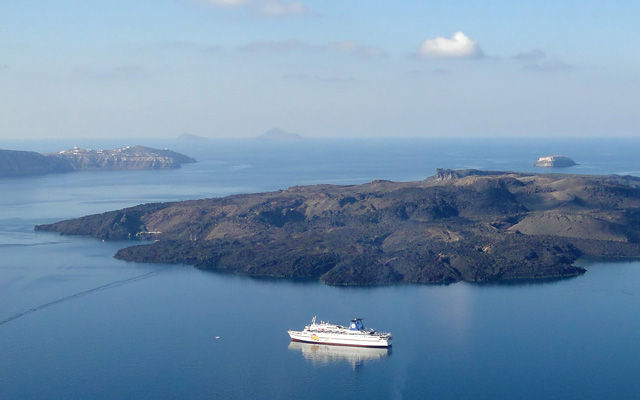 Греция Санторини Остров Неа Камени