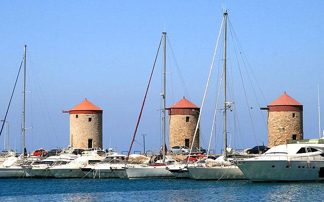 Греция Родос Ветряные мельницы Мандраки в Родосе