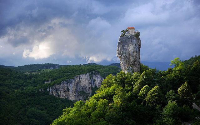 Грузия Гора Столп жизни Имеретия