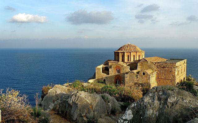 Греция Пелопоннес Церковь Святой Софии