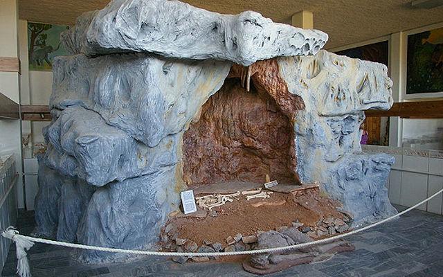 Греция Халкидики Антропологический музей в Петралоне