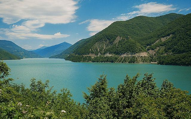 Грузия Жинвальское водохранилище Мцхета-Мтианетия