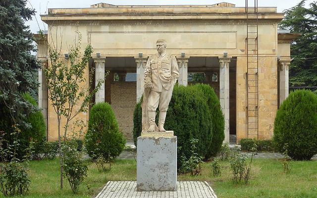 Грузия Дом-музей Сталина в Гори
