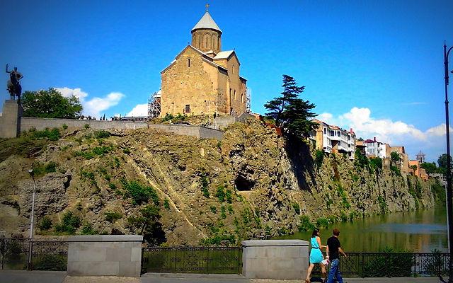 Грузия Церковь Метехи Тбилиси