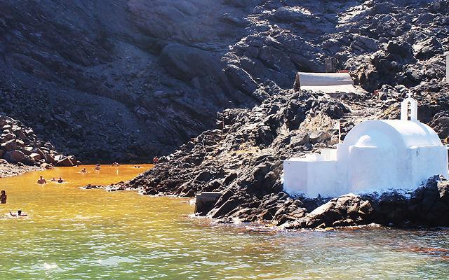 Греция Санторини Остров Палеа Камени