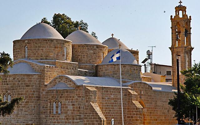 Кипр Церковь Святых Варнавы и Иллариона