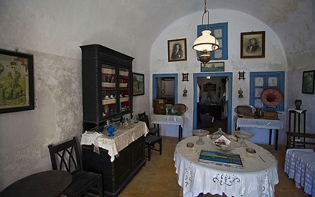 Греция Санторини Этнографический музей Лигноса