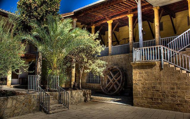 Кипр Этнографический музей (Никосия)