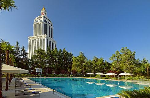 outdoor_pool_day_prev — копия.jpg