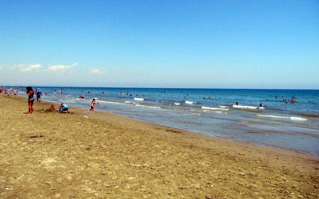 Кипр Пляж Маккензи (Ларнака)