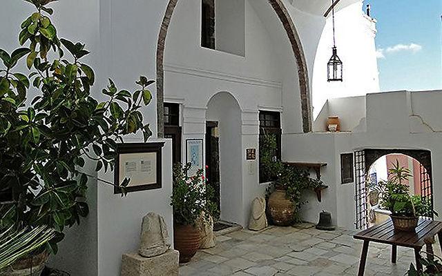 Греция Санторини Музей Мегаро Гузи