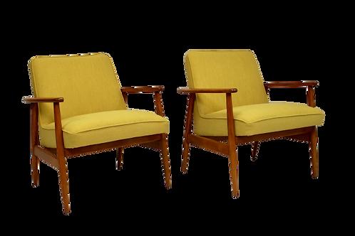 Paire de fauteuils par M. Zieliński année 60 tissu jaune.