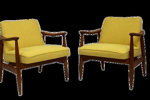 Paire fauteuils GFM-87 Juliusz Kedziorek 1960 tissu jaune.Ref:Palerme