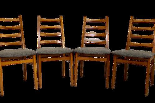 Set de 4 chaises scandinave année 50 restaurées tissu texturé effet chevron. ref
