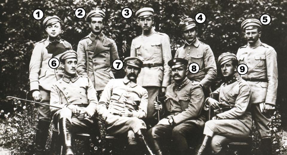 Zdjęcie_piłsudski_ponumerowani.png