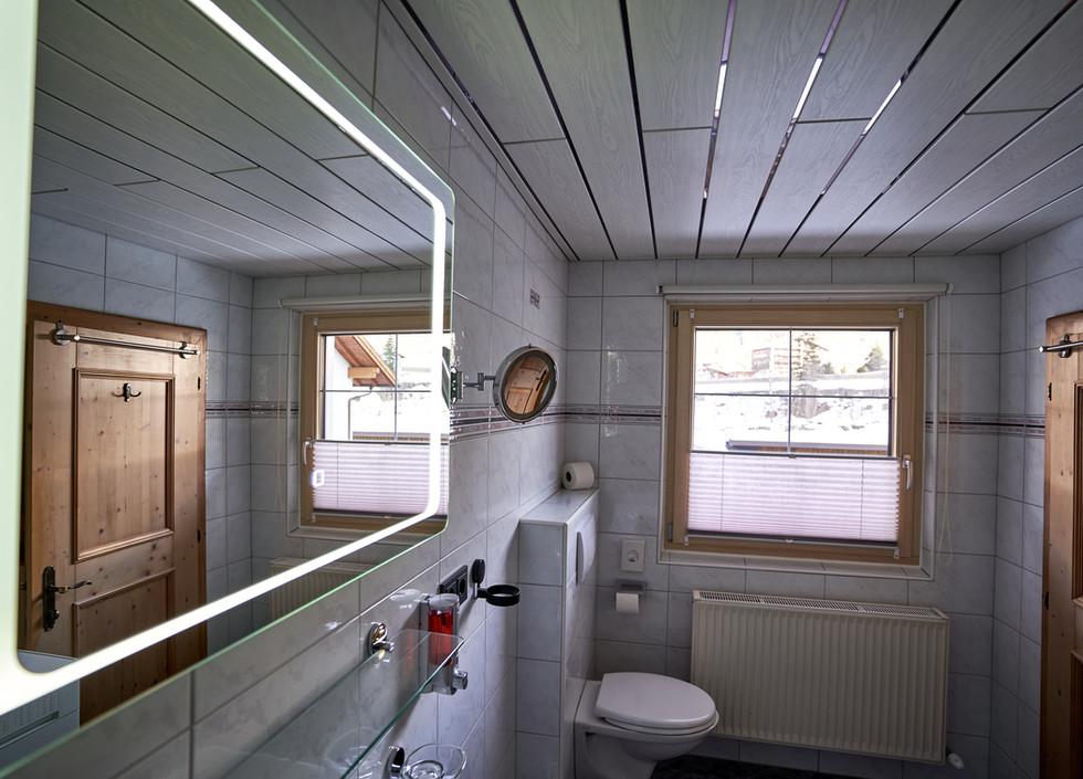 Badezimmer d .jpg
