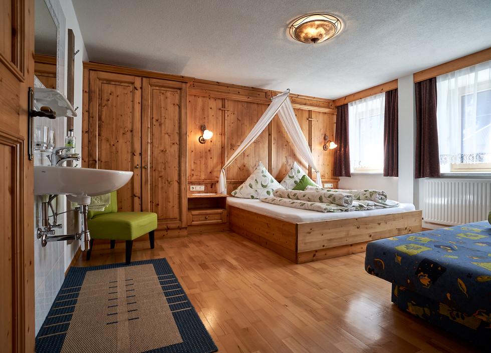 Zimmer 2 a .jpg