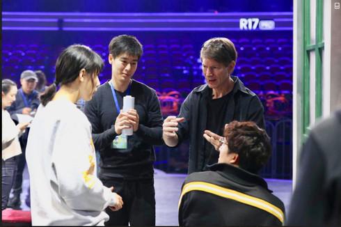 Scott Trost coaches actors on set of TV show - I am an Actor