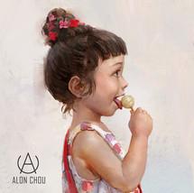Little girl eating lollipop / 吃棒棒糖的小女孩