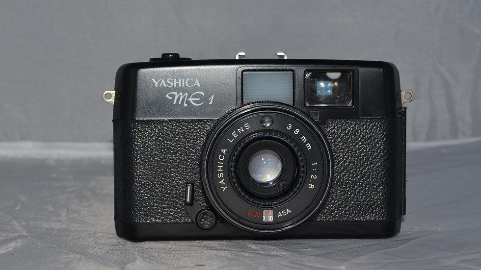 Camera Analógica Yashica ME-1