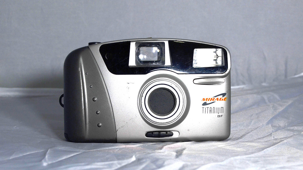 Câmera Analógica Mirage Titanium