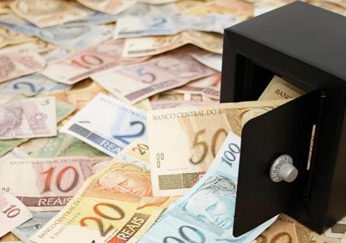 Médico aplica golpe de R$ 2 milhões em Barreiras