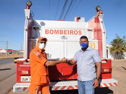 Prefeitura de Luís Eduardo Magalhães entrega caminhão do Corpo de Bombeiros completamente recuperado