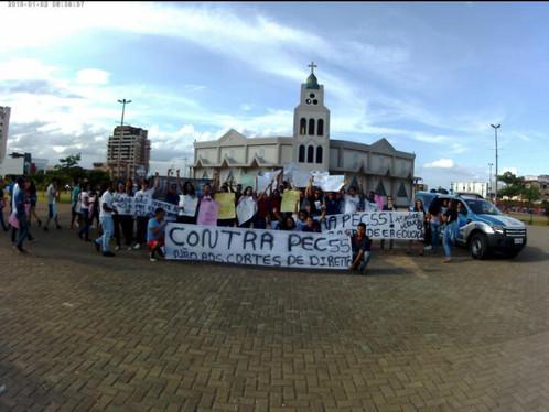 Vídeos: Manifestação contra a PEC 55 em LEM