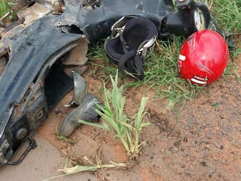 Motociclista fratura braço e perna em acidente na BR-020
