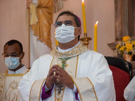 Dom Moacir Arantes toma posse como novo bispo de Barreiras