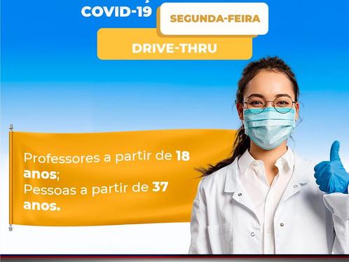 Pessoas acima dos 37 e professores maiores de 18 serão vacinados para primeira dose nesta segunda